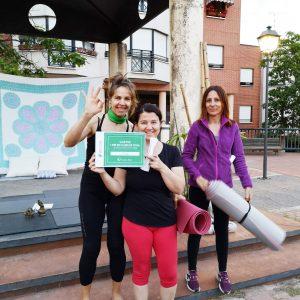 dia mundial del yoga en clinica ilion - villaviciosa de odon